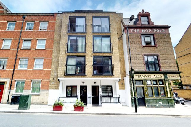 Modern 2 bed 2 bath apartment in Old Street N1 - Barrons ...